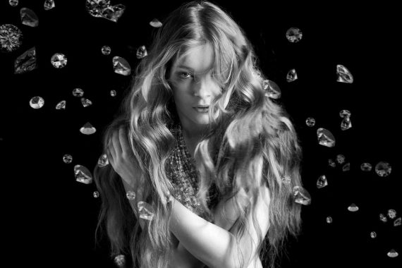 https://www.isabelzeybeauty.com/wp-content/uploads/2020/03/diamond-570x380.jpg